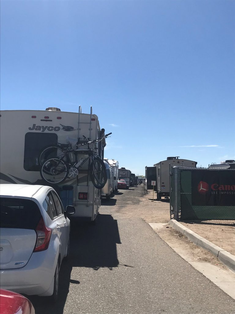 Line of RVs waiting to check in at the balloon fiesta