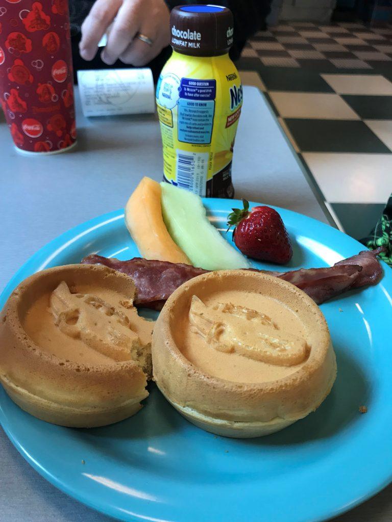 Kids meal waffles